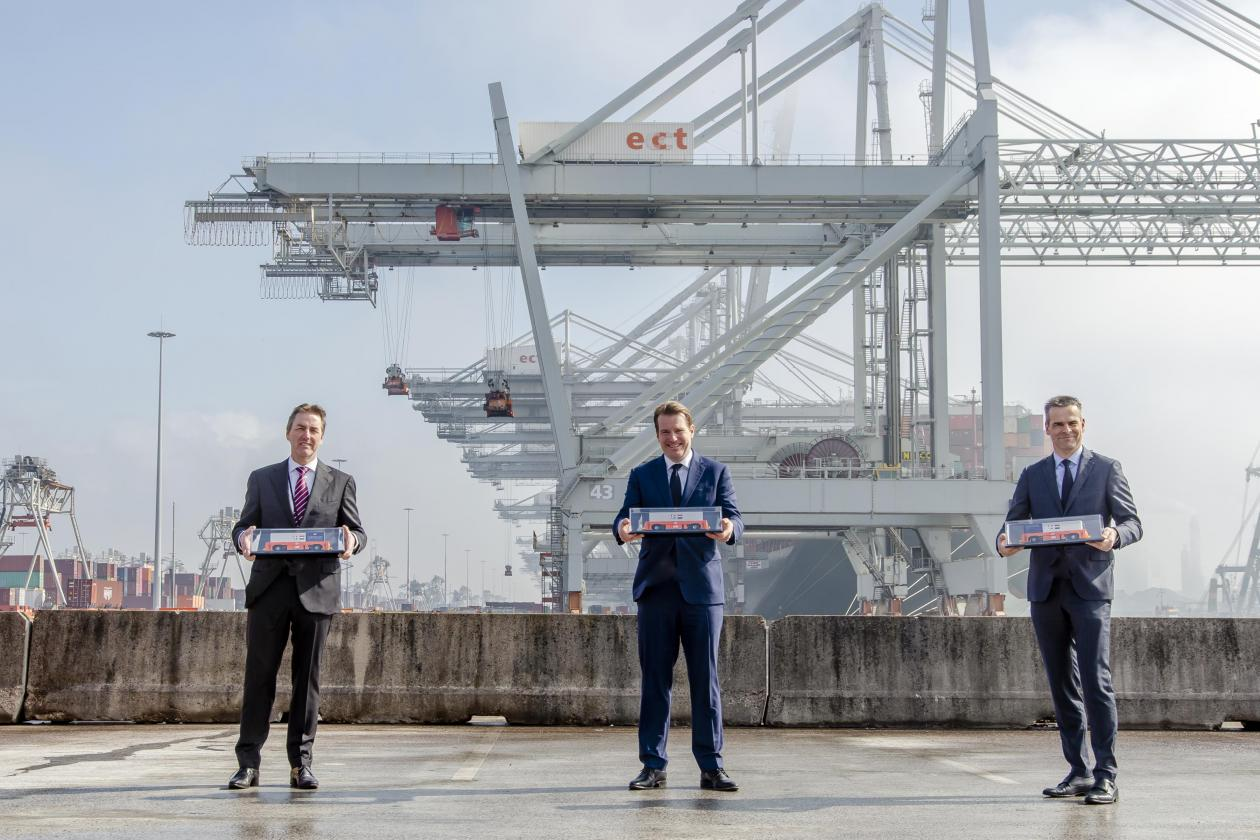 VDL acquires order for 77 automated guided vehicles for Port of Rotterdam